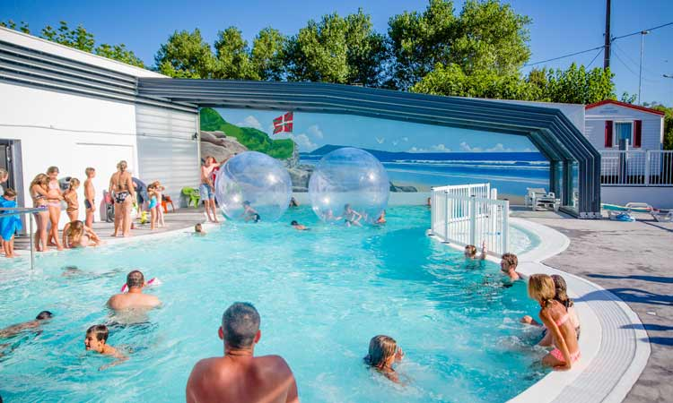 Camping avec animations au pays basque camping anim for Camping au pays basque avec piscine