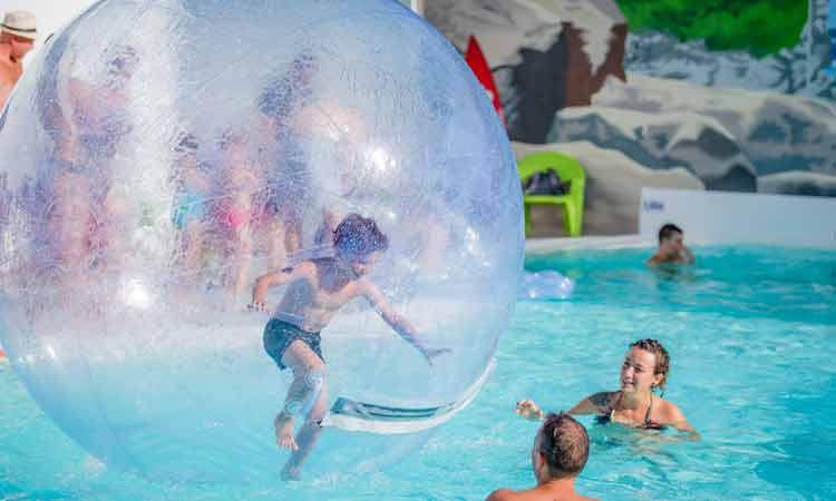 Camping pays basque avec piscine piscine couverte et for Camping avec piscine pays basque