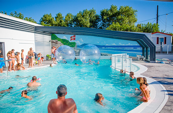 Camping with swimming pool in the Basque Country