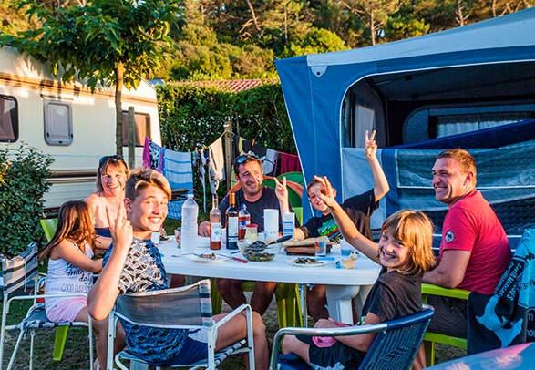 Camping Landes avec snack restaurant bar