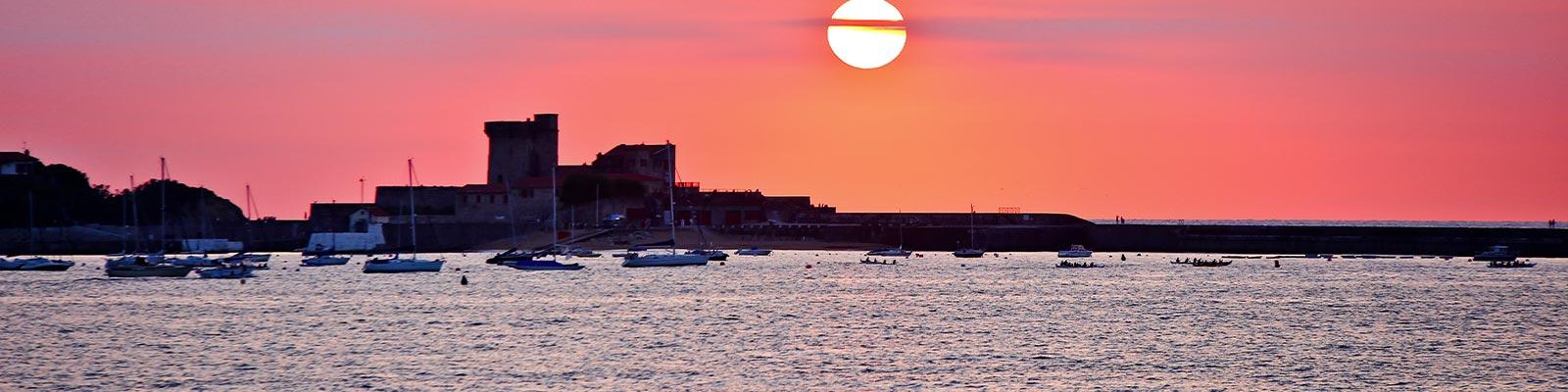 Top 5 des soci t s de location de bateau saint jean de luz - Camping saint jean de luz avec piscine ...